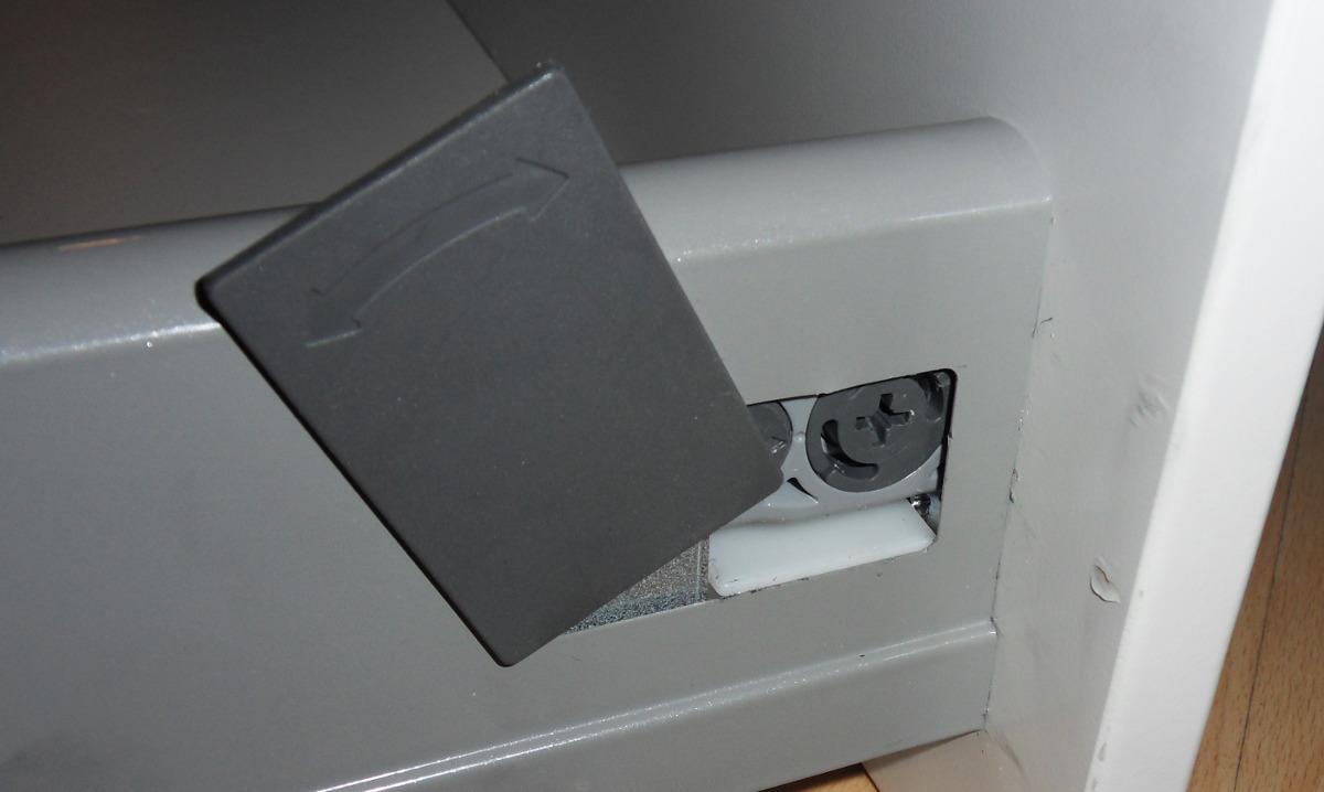 Schreibtisch Ikea Galant Buche ~ Og der sitter dette sammen, bom fast! Man kan se spor av mine
